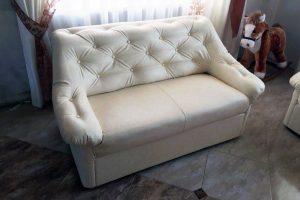 Пример реставрации белого кожаного дивана