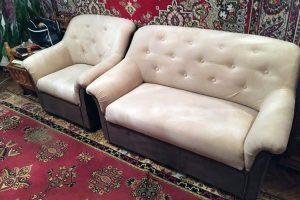 Пример реставрации белого кожаного дивана и кресла