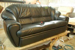 поменять обивку мебели
