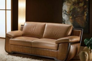 Заменить кожзам дивана: миссия выполнима