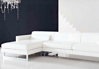 Перетяжка углового дивана: новый вид устаревшей мебели