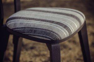 Обтяжка стульев тканью