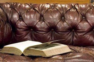 Перетяжка мебели в Химках