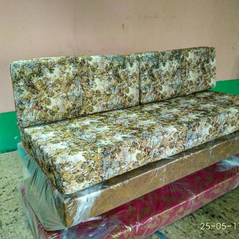 Подушка для софы Молодежная №1 по цене 8200\8800 руб.